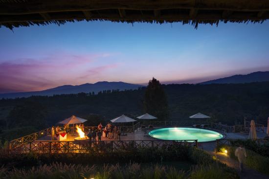 Neptune Ngorongoro Luxury Lodge: campfire at the Luxury Lodge