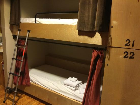 Sweet Peas Hostel: Bunk beds 1