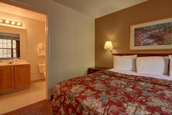 Kennesaw/Town Center Extended Stay Hotel : King suite