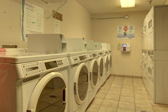 Kennesaw/Town Center Extended Stay Hotel : Guest Laundry