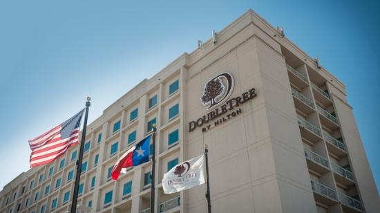 DoubleTree by Hilton Hotel Dallas - Love Field: Exterior Front