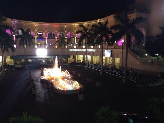 Paladar Latin Kitchen And Rum Bar: Outside View From The Restaurant