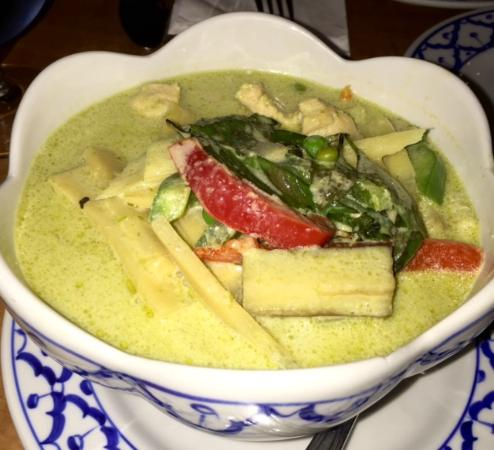 Sala Thai: Chicken with green curry