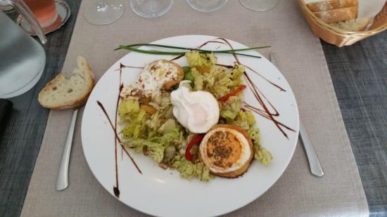 Restaurant Pizzeria La Galerie : salade de chevre chaud oeuf poché