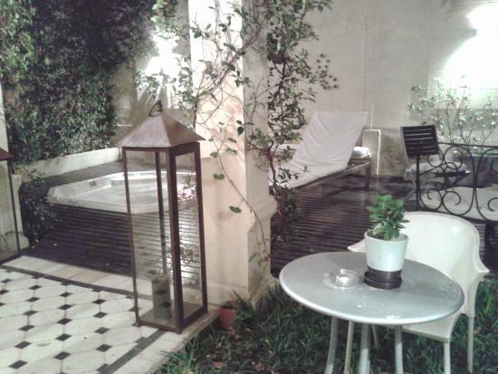 Krista Hotel Boutique: jardín, vista desde la habitación