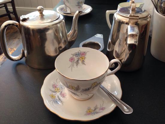 Baldry's Tea Room: photo0.jpg