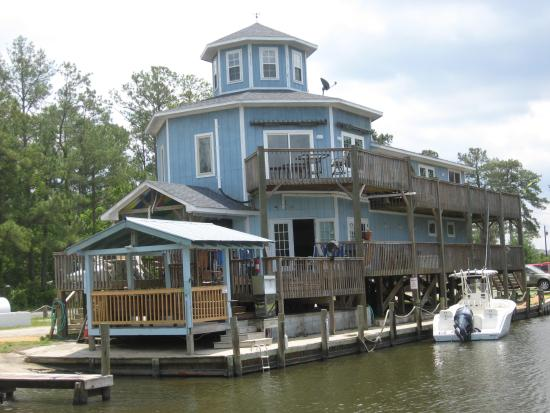 Oriental, NC: The Marina and Deck