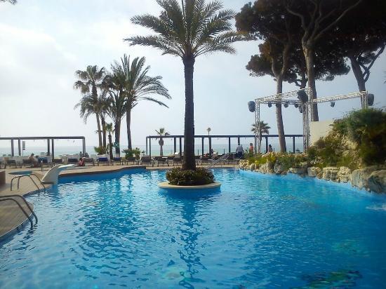 Piscina picture of estival centurion playa cambrils for Playa piscina