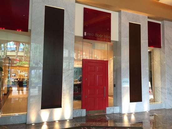 Elizabeth Arden Red Door Spa: Front Entrance