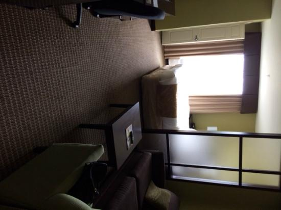 Comfort Suites Harvey : View of Clean Room
