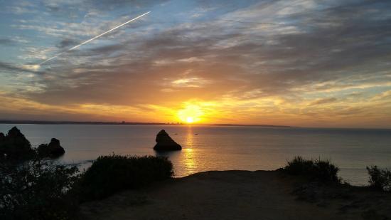 Praia Dona Ana: Sunrise at 06:32
