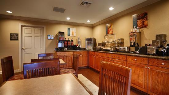 Oakwood, GA: Breakfast Area