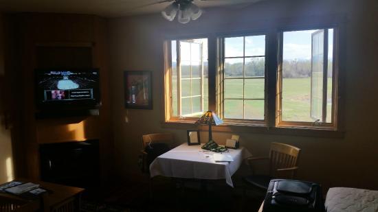 Gallatin River Lodge: Room