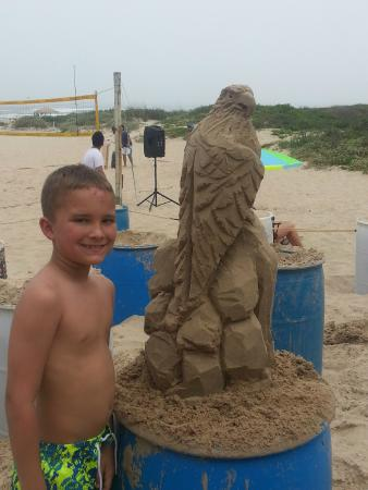Sandcastle Lessons : Fans are everywhere
