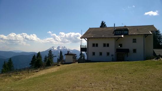 Vita Aktiv Hotel Der Heinrichshof: panprama da monte San Vigilio sopra Lana