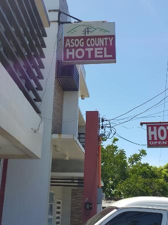 โรงแรมอาซอก เคาน์ตี้