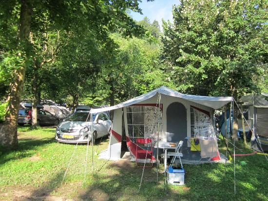 Camping Due Laghi: 80 m2 plaats