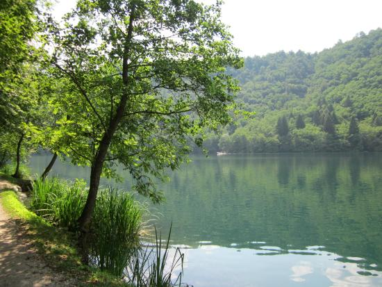Camping Due Laghi: Levicomeer wandelpad