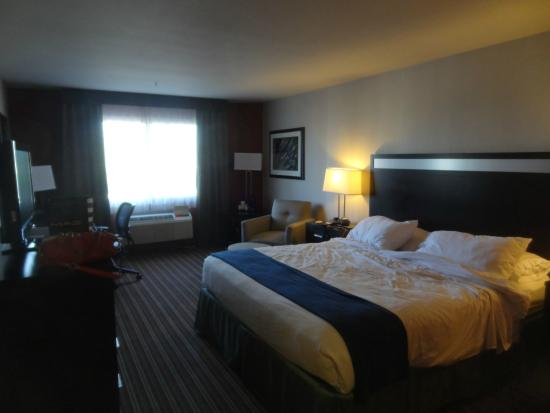 Holiday Inn Express Bakersfield : SUITE CASAL CAMA KING SIZE