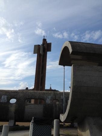 Santuario dell'Amore Misericordioso : Piazzale antistante il santuario