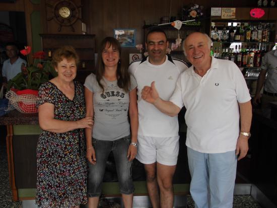 Hotel Albatros: Août 2013, avec Gabriella et Mario
