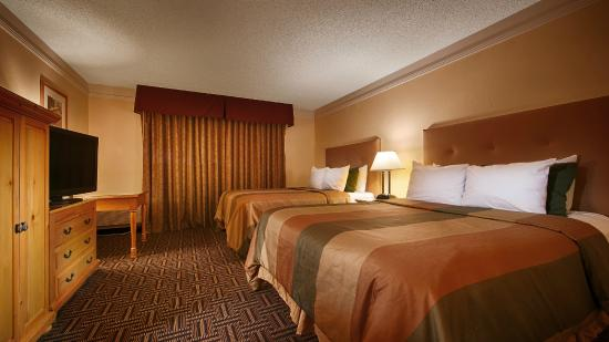 BEST WESTERN Phoenix Goodyear Inn: Double Queen Room