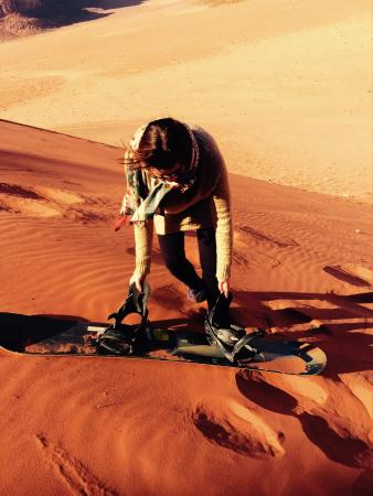 Wadi Rum Candles Camp: sandboard