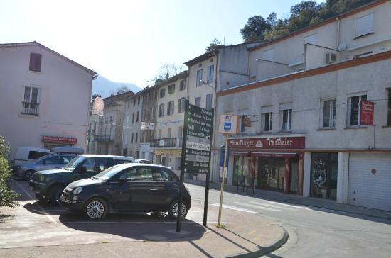 Hotel Axat : Hovedgaden i Axat