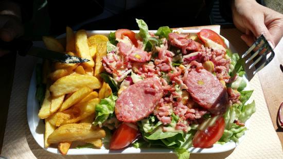 Brasserie a la Fontaine: Salade Lyonnaise
