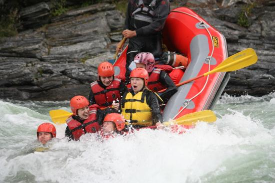 Heidal Rafting Day Trips: Hold on!