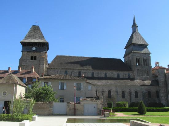 Chambon-sur-Voueize, Γαλλία: Abbatiale Sainte Valerie