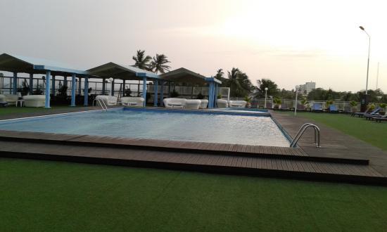 Hotel Palm Beach : Pool Side