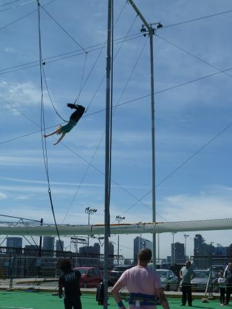 Trapeze School New York: On the flying trapeze