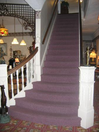 Inn of Cape May: Staircase
