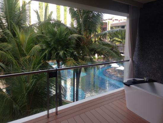 The Stones Hotel - Legian Bali, Autograph Collection: View from balcony with tub.