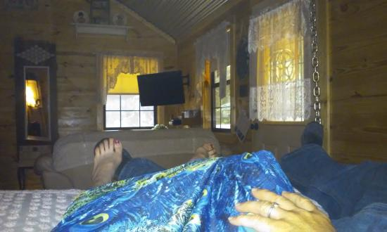 River of Love Cabins : Enjoying a moment just relaxing together