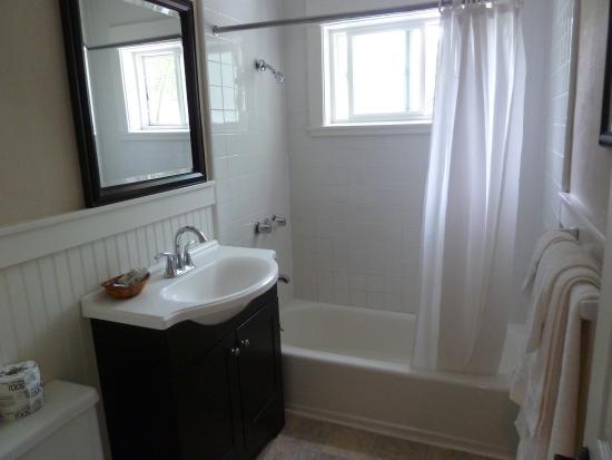 Coronado Island Inn: Bathroom