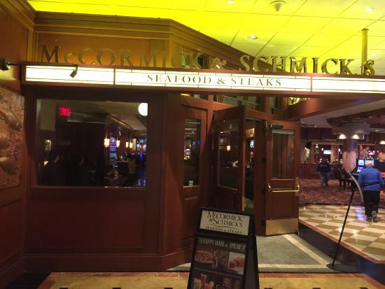 Mccormick Schmick S Seafood Steaks Front Entrance Inside Harrah