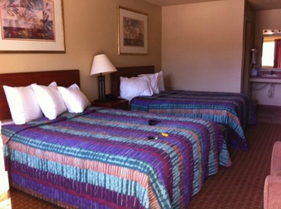 Deadwood Station Bunkhouse & Gambling Hall : Sleep area