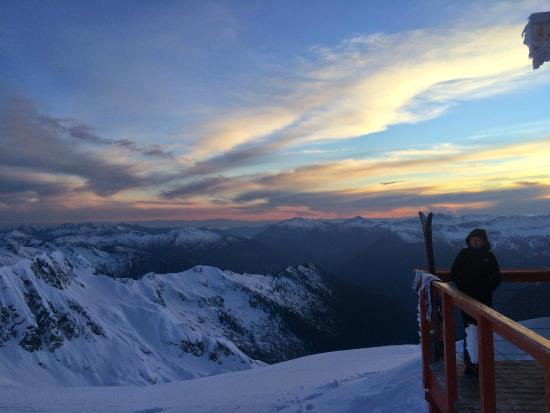 Altus Mountain Guides-Day Tours: View from the Jim Haberl Hut in the Tantalus Range, BC