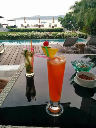 Beachfront Phuket: Mai Thai happy hour-- buy one get one free