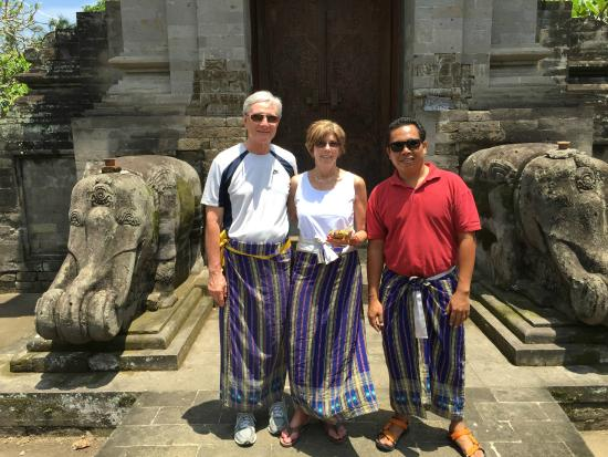 Sila's Bali Tours - Day Tours: At the Temple with Sila