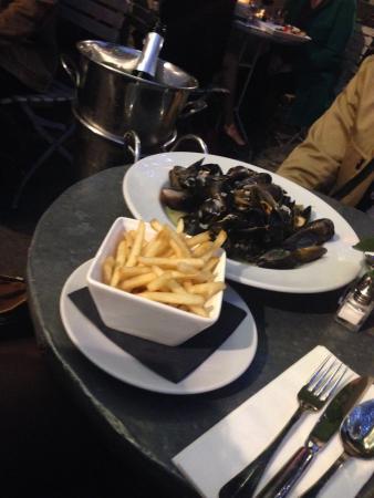 Aubaine Heddon street: moules et frites!!