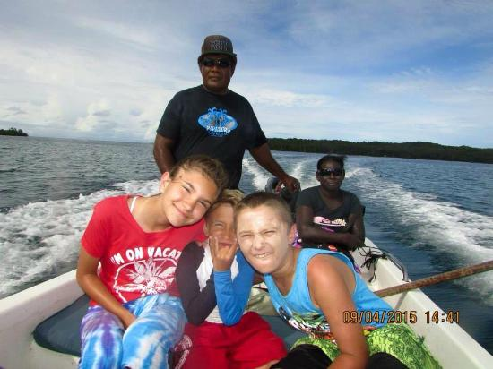 Papatura : Boat ride with Rowe and Franny to the village