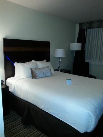 Best Western Alderwood: bed