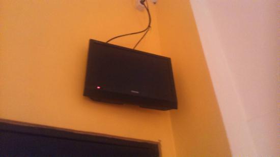 CT 1 @ Tuban Hotel: angle TV kurang bagus
