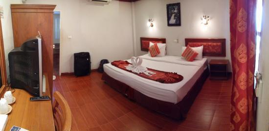 Kinnaree Resort: the room