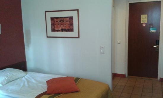 Cumulus Pinja: A basic twin room.