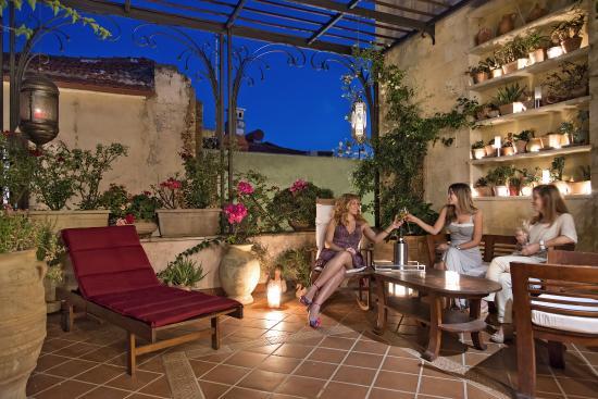 Ionas Boutique Hotel Roof Garden