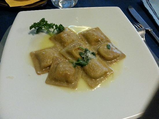 Azzurro Ristorante: Ravioli di castagne, Colico